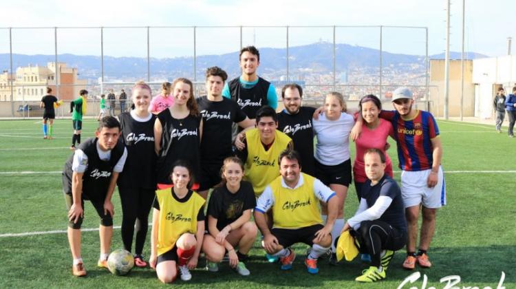 Encuentra a otros amantes del fútbol en Barcelona con la app Celebreak